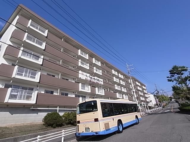 物件番号: 1111286643 ロイヤルマンション1号棟  神戸市北区泉台7丁目 2LDK マンション 外観画像